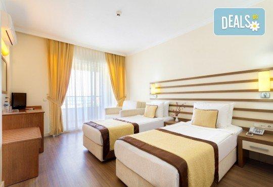 На море в Кушадасъ, Турция през септември: 5 нощувки на база All Inclusive в Akbalut Hotel & SPA 4* от Глобул Турс! Безплатно за дете до 11 години! - Снимка 4