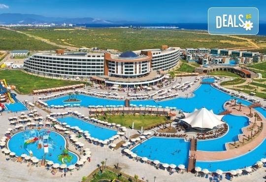 Морска почивка в Дидим, Турция: 5 нощувки на база All Inclusive в Aquasis Deluxe Resort & Spa 5* от Глобул Турс! Безплатно за деца до 11 години! - Снимка 1