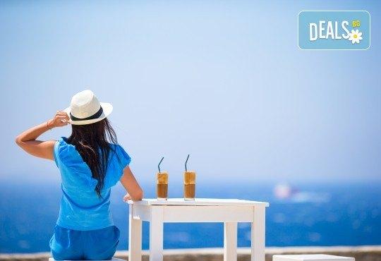 Еднодневна екскурзия до един от най-красивите плажове на Гърция – Неа Ираклица с транспорт и екскурзовод! - Снимка 1
