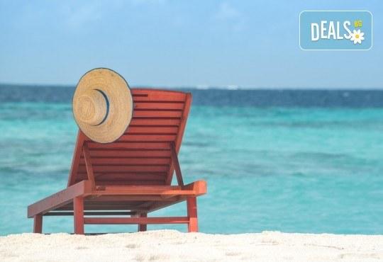 За един ден през на плаж в Неа Перамос и Аммолофи, Гърция! Транспорт и екскурзоводско обслужване от Глобул Турс! - Снимка 1