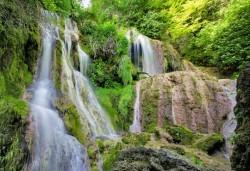Екскурзия до Крушунски водопади, Деветашка пещера и Ловеч с еднодневна екскурзия с осигурен транспорт и екскурзовод от Глобул Турс! - Снимка