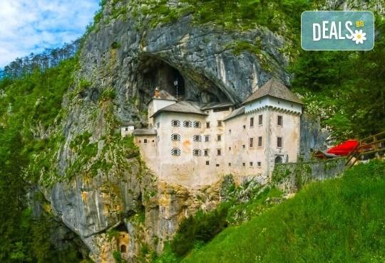Екскурзия до Плитвичките езера и пещерата Постойна Яма през октомври, с Бек Райзен! 3 нощувки със закуски в хотел 3* в Загреб, транспорт и програма - Снимка 3