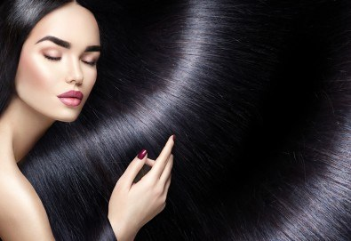 Високоефективна терапия за коса на Medavita с инфрачервена преса в 5 стъпки, подстригване и подсушаване при стилист-коафьор Елена Николова в салон Flowers 2 - Снимка