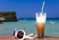 На плаж в Керамоти, Гърция! Еднодневна екскурзия от април до септември: транспорт и екскурзовод от Еко Тур! - Снимка