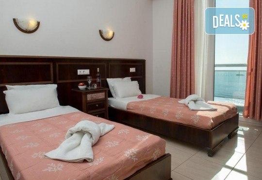 Септемврийски празници в Солун и Паралия Катерини! 3 нощувки със закуски в Hotel Kimata 3*, панорамен тур на Солун, екскурзовод и транспорт - Снимка 7