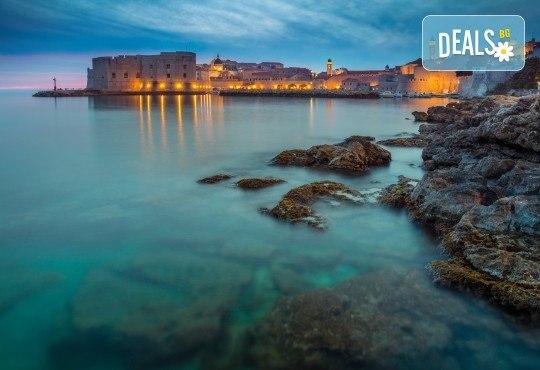 Екскурзия до Дубровник през август: 5 дни, 3 нощувки със закуски и вечери в Стела 3*, посещение на Будва и Котор с транспорт и водач от Комфорт Травел! - Снимка 3