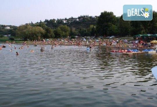 Екскурзия за 2 дни - на разходка и шопинг в Солун и на плаж на Дойранското езеро! 1 нощувка, закуска и вечеря, 1 обяд с жива музика, транспорт и водач - Снимка 12