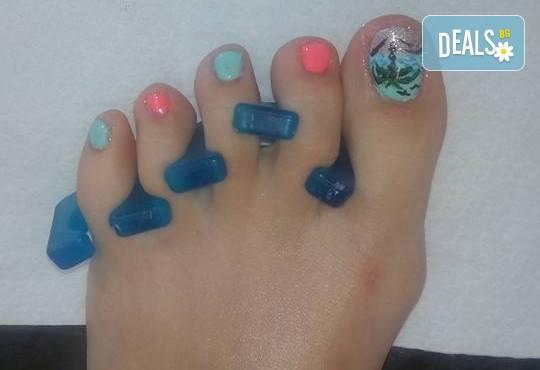 Лято! Маникюр и/или педиюр с гел лак BlueSky и морски декорации, палми, пеперуди, пясъчен лак в Салон Мечта! - Снимка 2