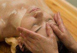 150-минутен аюрведичен SPA Mix, включващ масаж на цяло тяло, глава и лице с аюрведична козметика, маска и йонна детоксикация в център GreenHealth - Снимка
