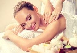 SPA-MIX Изток-Запад: класически масаж на цяло тяло, Hot-Stone терапия, китайски козметичен масаж на лице, шия, деколте и йонна детоксикация в център GreenHealth - Снимка