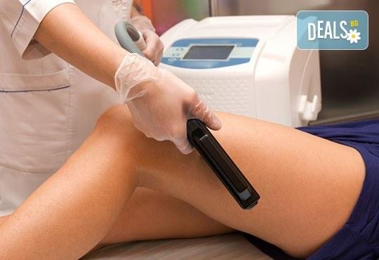 Една или пакет от 5 процедури антицелулитен ръчен масаж, LPG вакуумен масаж, RF лифтинг или кавитация в козметичен център DR.LAURANNE! - Снимка 3