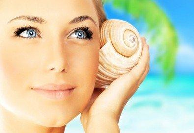 150-минутен SPA MIX - масаж на цяло тяло, лице, шия и деколте с раковини и козметична маска с перлен и златен прах в център GreenHealth - Снимка