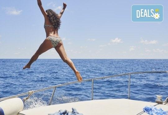 Екскурзия до остров Лефкада, Гърция: 3 нощувки със закуски, транспорт и водач, възможност за парти круиз с DJ от Данна Холидейз! - Снимка 5