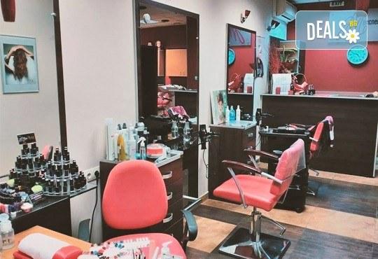 Дълготрайни и красиви цветове с маникюр с гел лак Bluesky или Shellac в салон за красота Респект - Снимка 6
