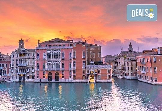 Самолетна екскурзия до Венеция за Септемврийски празници: 3 нощувки със закуски в Лидо ди Йезоло или Кавалино, самолетен билет и възможност за посещение на Верона - Снимка 2
