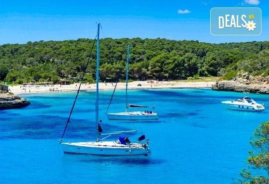 Септемврийски празници на остров Лефкада, Гърция! 3 нощувки със закуски, транспорт и възможност за парти круиз с DJ - Снимка 5