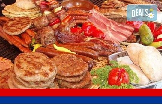 Екскурзия за фестивала на сръбската скара - Рощиляда през септември: 1 нощувка със закуска, транспорт и водач от Далла Турс! - Снимка 1