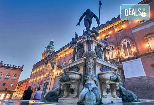 Септемврийски празници в Италия! 7 нощувки със закуски в Кавалино или Лидо ди Йезоло, самолетен билет, посещение на Флоренция, Болоня, Пиза, Маранело и Венеция от ВИП Турс! - Снимка 4
