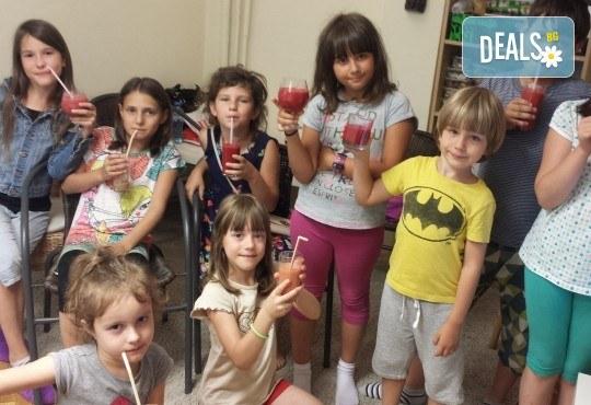 Лятна занималня за половин, един ден, една седмица или един месец от Детски Арт център Приказка - Снимка 12