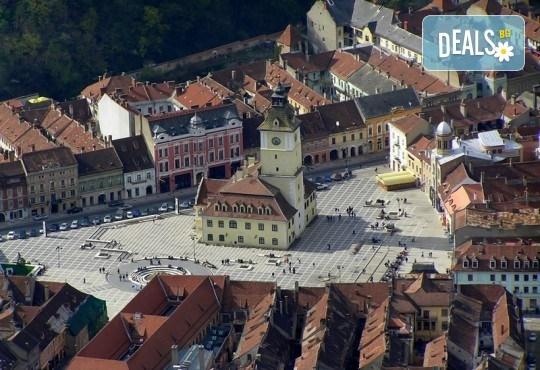 Септемврийски празници в Румъния: 2 нощувки със закуска, транспорт и посещение на Букурещ и замъка Бран от Туроператор Ванди-С! - Снимка 7