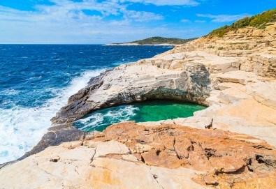 """Мини почивка в Хотел Тасос 3* - морската перла"""" на остров Тасос, Гърция: 2 нощувки със закуски, транспорт и екскурзовод от Туроператор Солео 8 ! - Снимка"""
