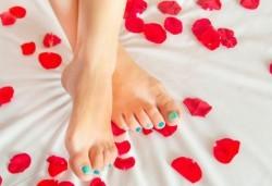 За красиви и здрави нокти! Направете си медицински педикюр в салон за красота Емоция! - Снимка