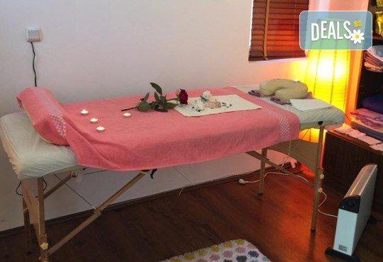 Почистване на лице и ръце на ензимно ниво, ароматерапия и масаж на цяло тяло с лечебно олио в масажно студио Дилянали - Снимка 7