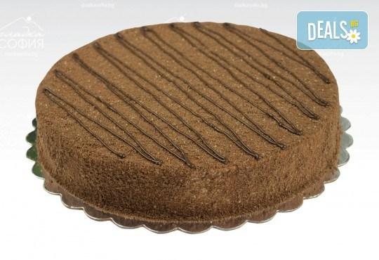 Изкусително! Френска шоколадова торта с тънки какаови блатове и течен шоколад, 16 парчета, от Сладка София! - Снимка 1