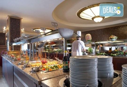 Незабравима почивка в края на лятото в Hotel Emre 4* в Мармарис, Турция! 9 нощувки на база Ultra All Inclusive, транспорт и водач от Дари Тур! - Снимка 6