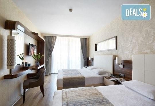 Незабравима почивка в края на лятото в Hotel Emre 4* в Мармарис, Турция! 9 нощувки на база Ultra All Inclusive, транспорт и водач от Дари Тур! - Снимка 4
