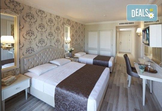 Незабравима почивка в края на лятото в Hotel Emre 4* в Мармарис, Турция! 9 нощувки на база Ultra All Inclusive, транспорт и водач от Дари Тур! - Снимка 3