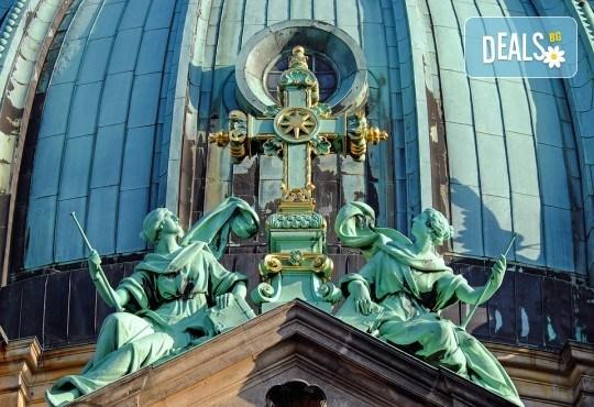 Предколеден Берлин Ви очаква! 3 нощувки със закуски в хотел 3*, самолетен билет и летищни такси от Абела Тур - Снимка 5
