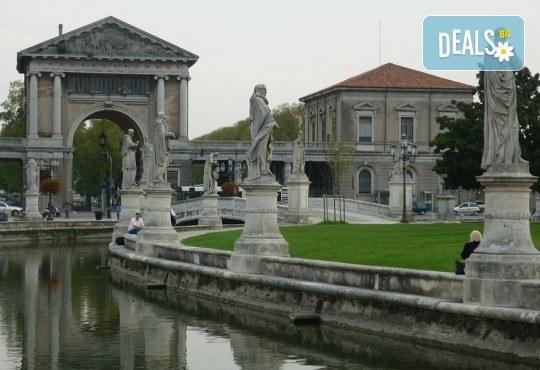 Романтична екскурзия до Венеция, Падуа и градът на влюбените Верона! 3 нощувки със закуски, транспорт и водач от Еко Тур! - Снимка 5