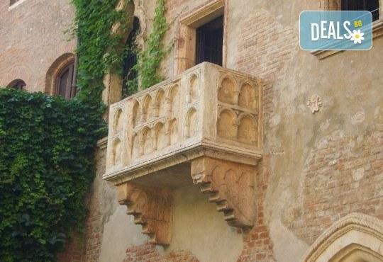 Романтична екскурзия до Венеция, Падуа и градът на влюбените Верона! 3 нощувки със закуски, транспорт и водач от Еко Тур! - Снимка 10
