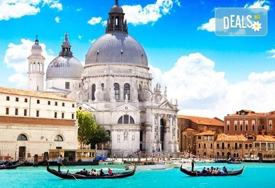 Романтична екскурзия до Венеция, Падуа и градът на влюбените Верона! 3 нощувки със закуски, транспорт и водач от Еко Тур! - Снимка 1