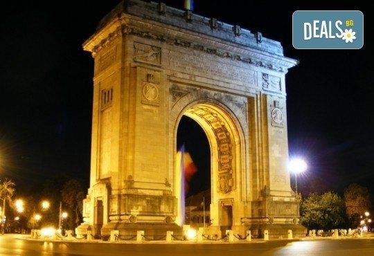 Екскурзия до Румъния, с посещение на Синая, Бран, Брашов и Букурещ: 2 нощувки със закуски в Palace Hotel 4* в Синая, водач и транспорт от Данна Холидейз! - Снимка 7