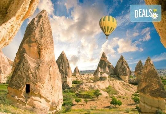 Кападокия - скални чудеса и изумителни гледки! 4 нощувки със закуски, транспорт, екскурзовод и бонус програми в долината Дервент и Пашабаг! - Снимка 1
