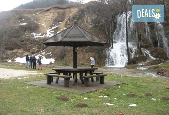 Екскурзия до Етно село Стара планина с 1 нощувка със закуска и вечеря, плюс транспорт от агенция Поход - Снимка 3