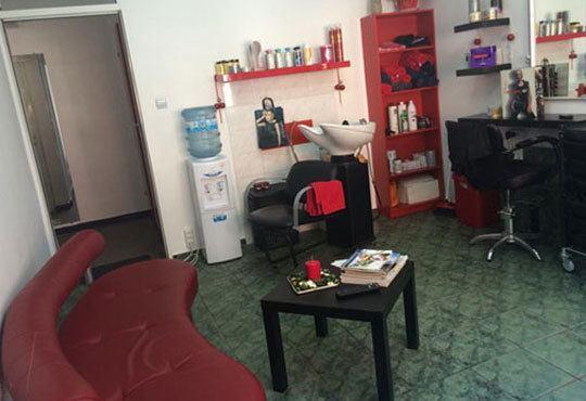 Възстановяваща арганова терапия за коса, подстригване, сешоар и плитка по избор в салон Veselina Todorova - Снимка 5