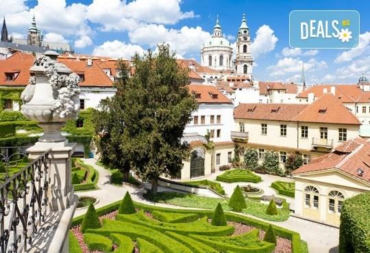 Уикенд през октомври в Златна Прага! 2 нощувки със закуски, самолетни билети, такси, трансфери и екскурзовод от Онекс Тур - Снимка 6