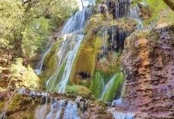 За един ден през есента до Крушунските водопади, Деветашката пещера и Ловеч с транспорт и водач от Дениз Травел! - Снимка