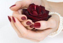 Маникюр или педикюр с нова колекция гел лакове Gelosophy на Astonishing nails от Дерматокозметични центрове Енигма, Хасково - Снимка