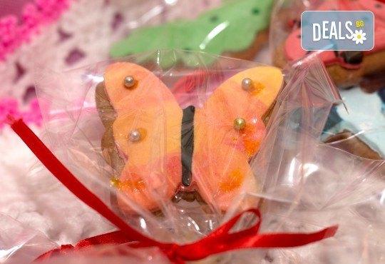 За момичета! Вземете половин или един килограм бисквити за момичета: цветя, пеперуди, калинки, звезди и сърца от Muffin House! - Снимка 4