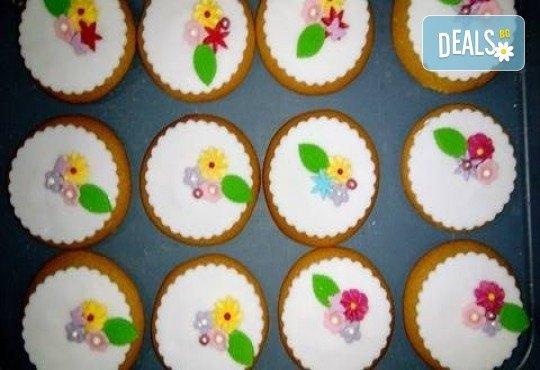 За момичета! Вземете половин или един килограм бисквити за момичета: цветя, пеперуди, калинки, звезди и сърца от Muffin House! - Снимка 1