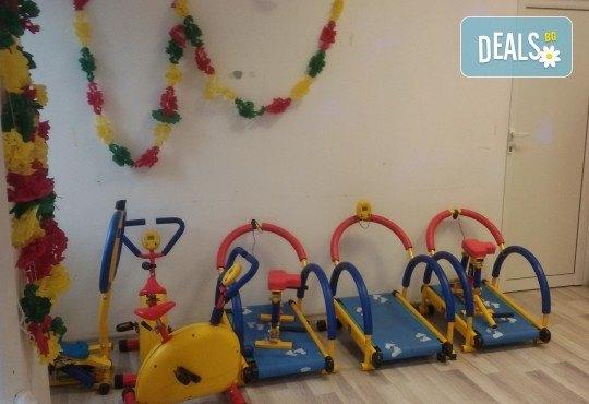 Детски рожден ден в Детски център Приказен свят на супер цена! Зала за 10 деца, зала за възрастни, напитки, пица, украса, аниматор и DJ! - Снимка 11