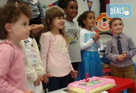 Детски рожден ден в Детски център Приказен свят на супер цена! Зала за деца, зала за възрастни, напитки, пица, украса и аниматор или DJ! - Снимка 11