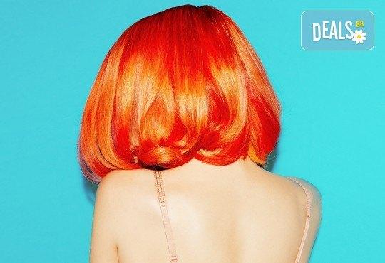 Посрещнете есента с нов цвят и прическа! Подстригване и боядисване на коса от салон Ди Ес! - Снимка 1