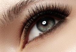 Фатален поглед! Удължаване и сгъстяване на мигли косъм по косъм в Marbella Beauty Studio! - Снимка