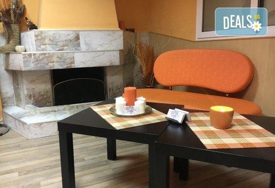 Освободете се от напрежението и релаксирайте с 50-минутен шиацу масаж в салон за красота Ди Ес! - Снимка 4