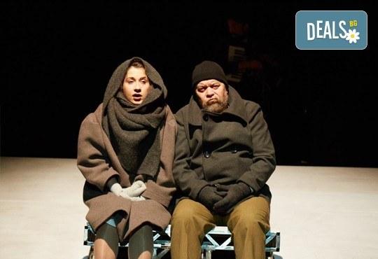 На театър! Гледайте Човекът, който искаше на 5-ти октомври (четвъртък) в МГТ Зад канала! - Снимка 6
